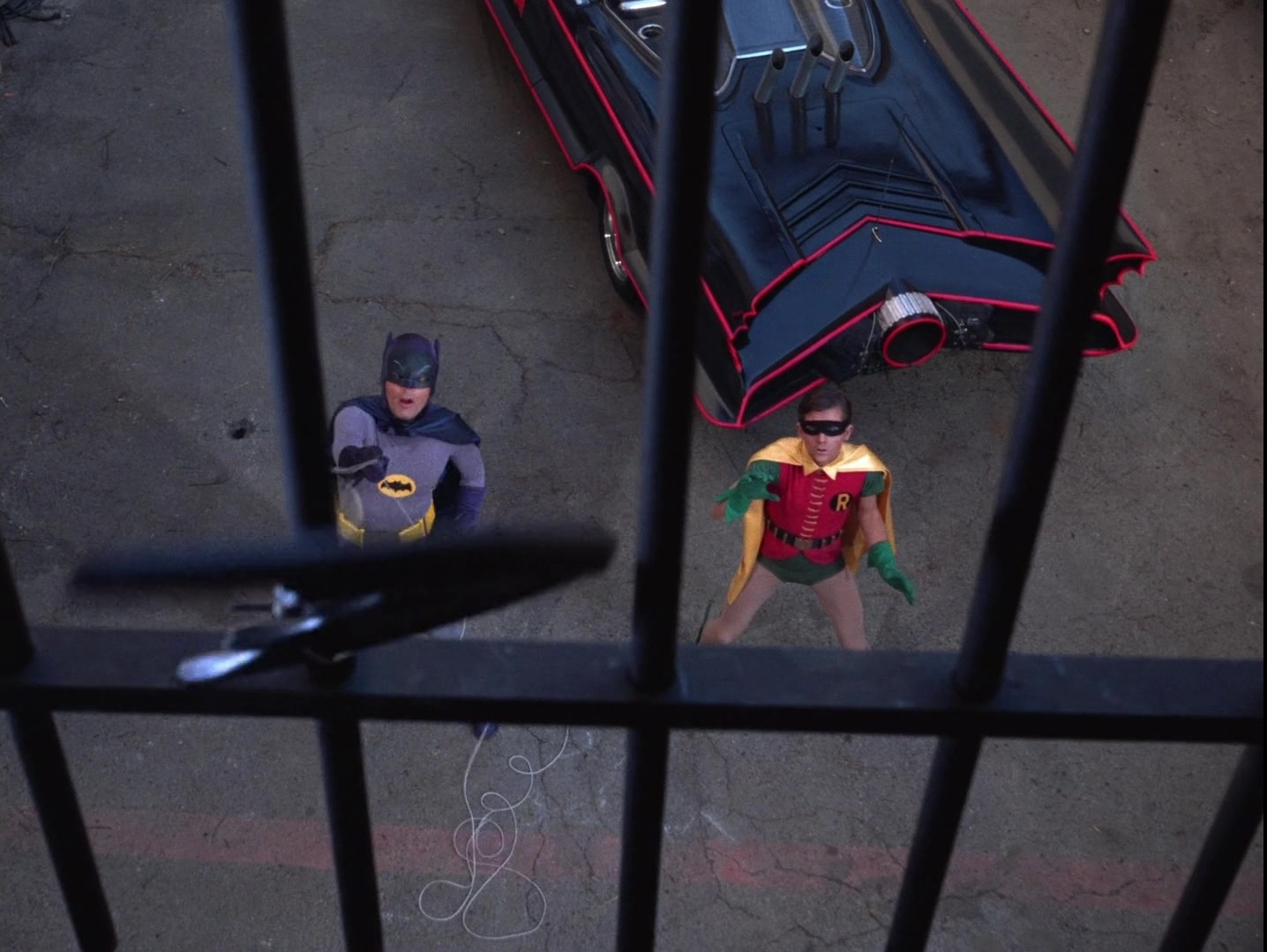 batman_s01e01-hi_diddle_riddle-040